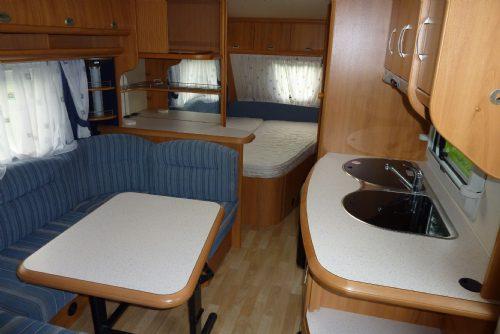 Caravan - hobby 560 kmfe