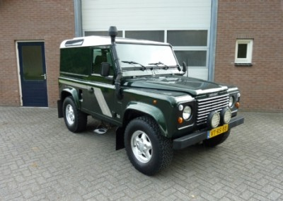Land Rover – defender 90