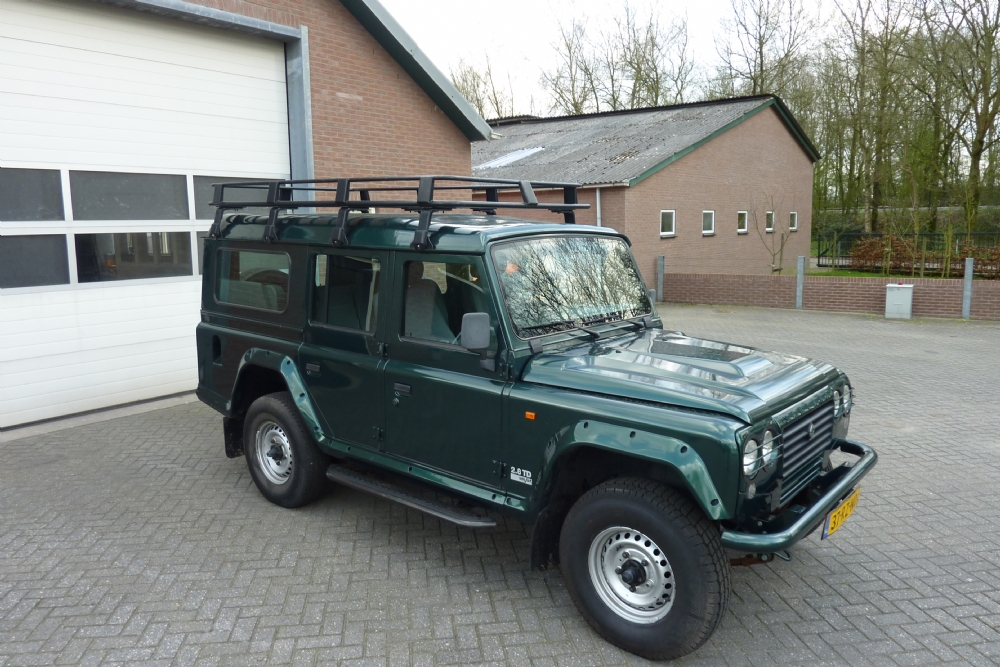 Land Rover - defender santana 110 ps10