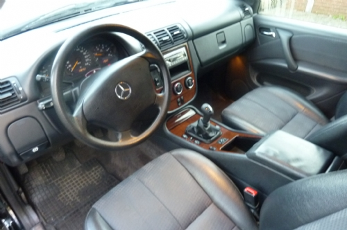 Mercedes-benz - mercedes m-klasse 2.7 crd van1