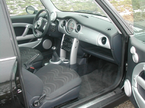 Mini - mini one 2001 zwart1