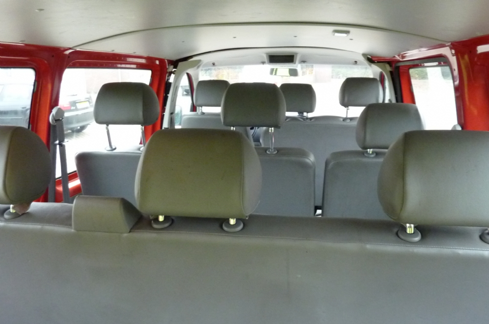 Volkswagen - Vw Transporter 1.9 Kombi TDI 77KW 2004 Rood 9 persoons1