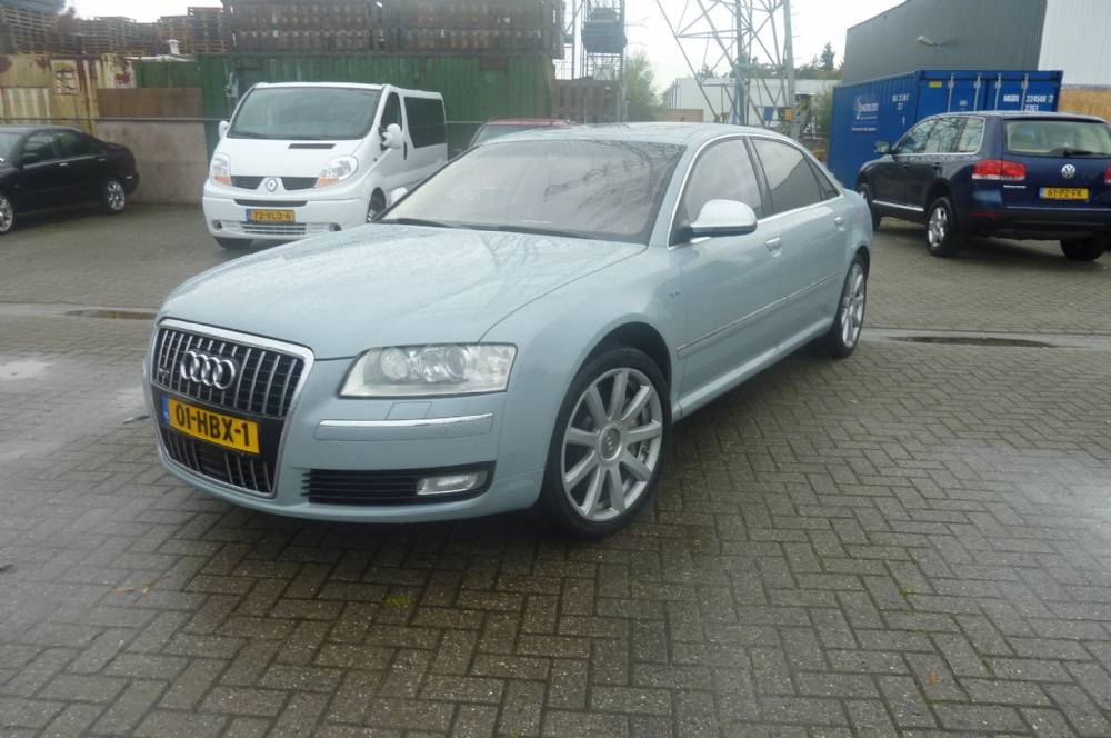 Audi - a8 W12